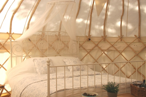 Forget-me-not - Hilltop Yurt with magnificent views
